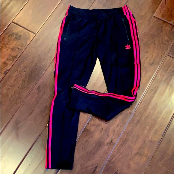 Adidas women's track pant tapered zip M